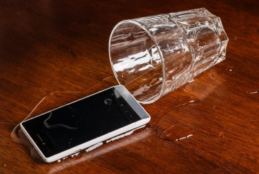 What to Do When You Drop Your Phone in Water
